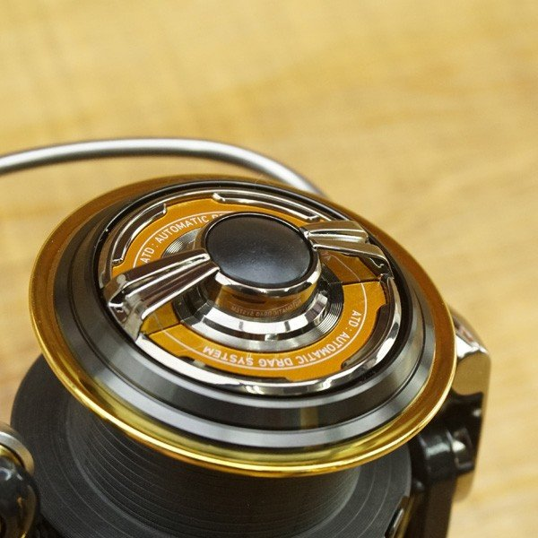 ダイワ 15トーナメント ISO 2500SH-LBD/P517M レバーブレーキ 美品