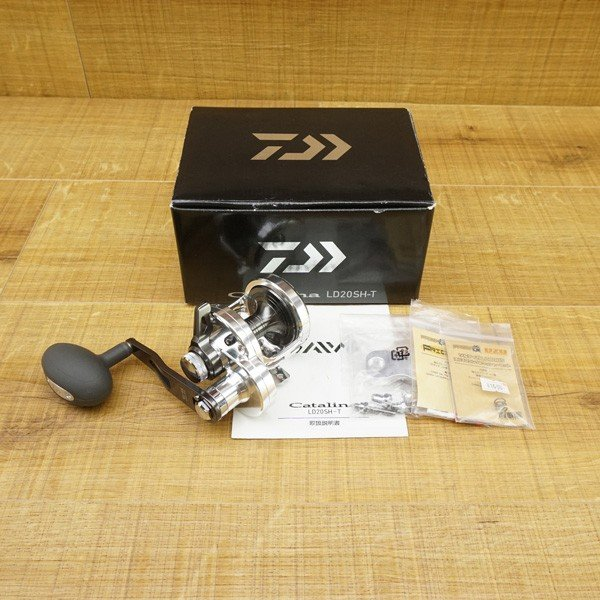 ダイワ キャタリナ LD 20SH-T/ W203M 美品 ベイトリール ジギング ソルトウォーター フィッシング tsuriking 10