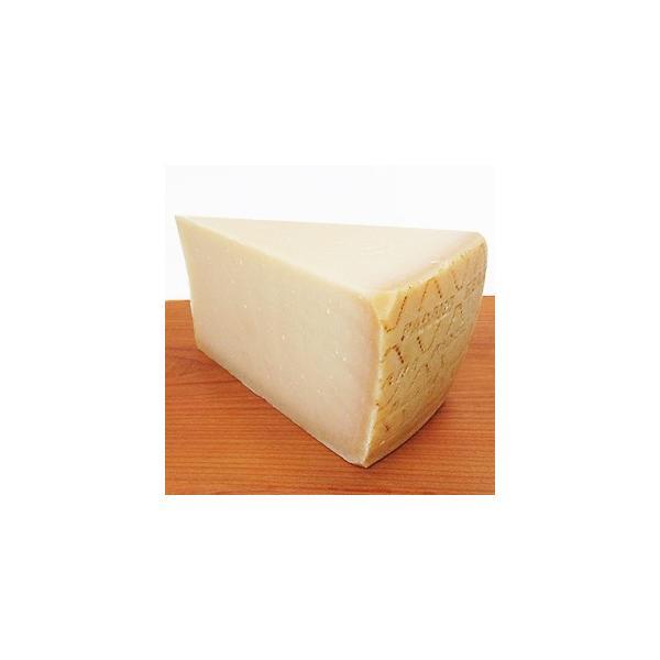 [不定貫]グラナ パダーノ D.O.P ブロック 約1.1kg (2.87円/g)ザネッティ  冷蔵食品 [冷蔵食品のみ同梱可]