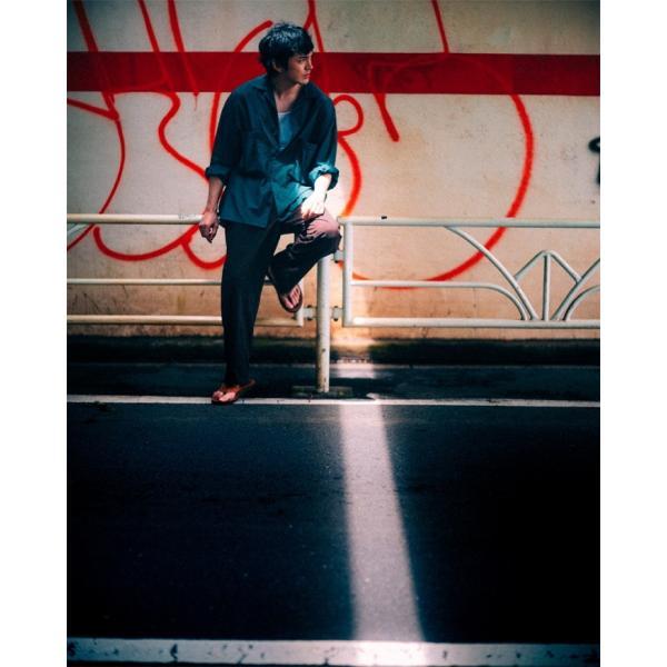 【ご予約受付中】林遣都 作品集「THREE TALES」 ※限定ポストカード付 12月6日発売予定  発売日から3営業日以内のお届け|umd-tsutayabooks|05