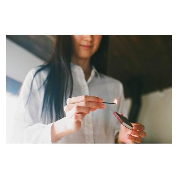 着火具がなくても使えるお香スティック hibi 5つの香りギフトボックス (8本入り×5 専用マット付)|umd-tsutayabooks|03