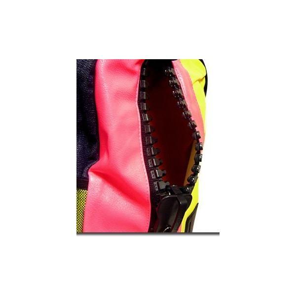 メンズバッグ バッグ カラフルなネオンカラーで今季注目度大 非常に大きなメガジップファスナー付き切替えデイバッグ|update|07