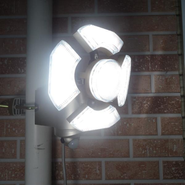 センサーライト 明るい LED 人感 屋外 防犯 屋内 コンセント