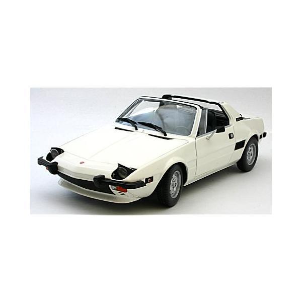 フィアット X1/9 1974 ホワイト (1/18 ミニチャンプス100121665)|v-toys|02