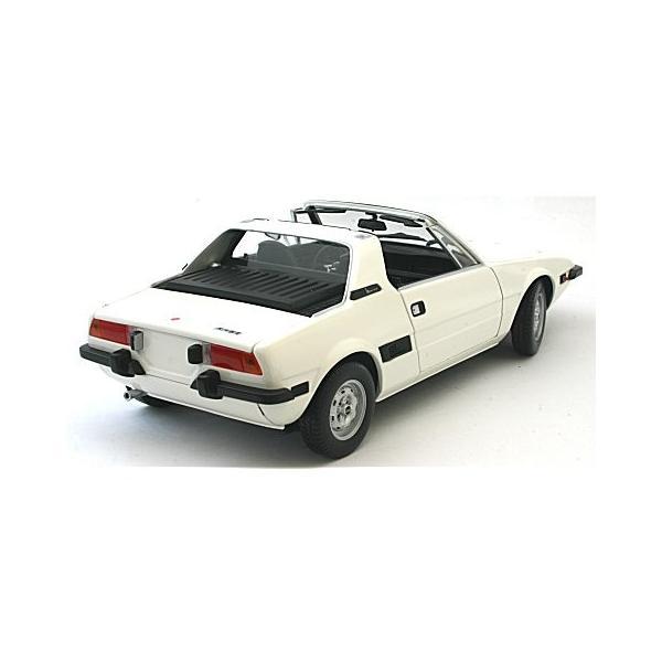 フィアット X1/9 1974 ホワイト (1/18 ミニチャンプス100121665)|v-toys|04