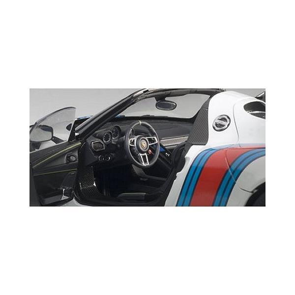 ポルシェ 918 スパイダー バイザッハ・パッケージ ホワイト/マルティニストライプ (1/18 オートアート77927)|v-toys|02