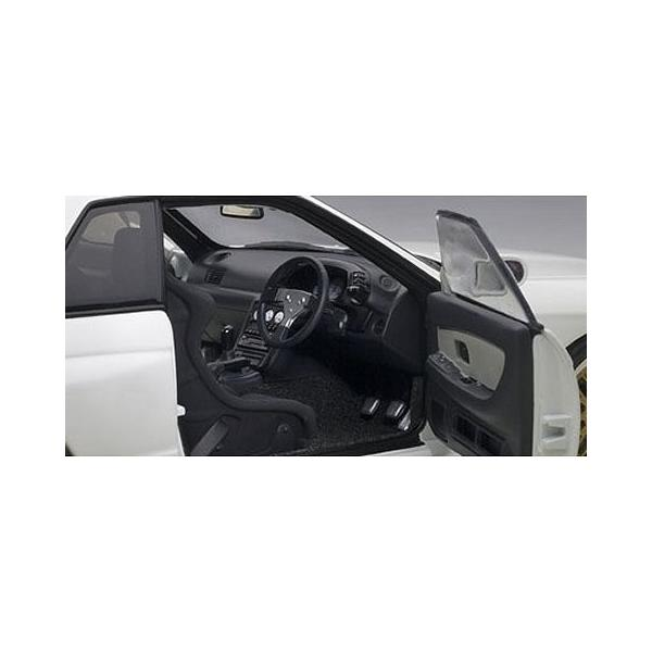 ニッサン スカイライン GT-R (R32) V-Spec II チューンド・バージョン ホワイト (1/18 オートアート77416)|v-toys|03