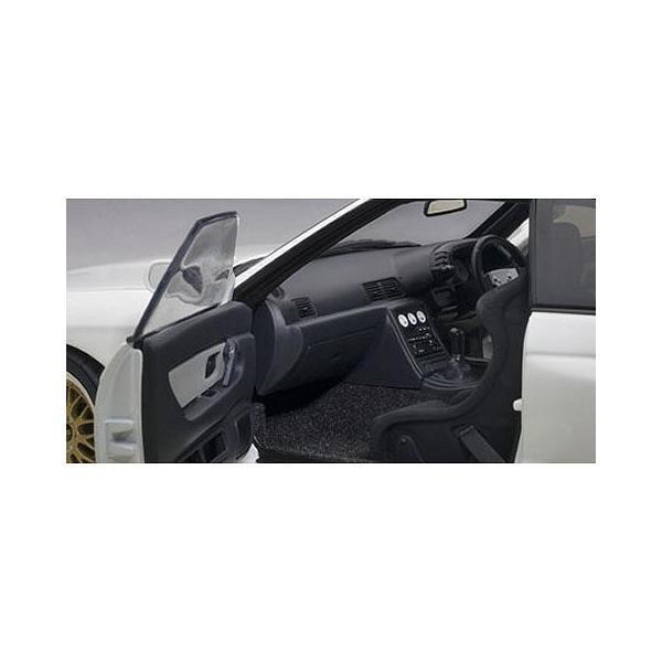 ニッサン スカイライン GT-R (R32) V-Spec II チューンド・バージョン ホワイト (1/18 オートアート77416)|v-toys|04