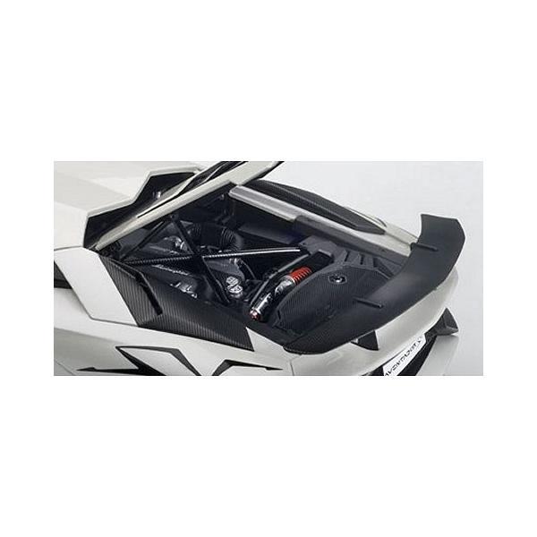 ランボルギーニ アヴェンタドール LP750-4 SV パールホワイト (1/18 オートアート74555)|v-toys|04