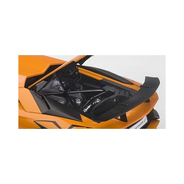 ランボルギーニ アヴェンタドール LP750-4 SV Mオレンジ (1/18 オートアート74557)|v-toys|04