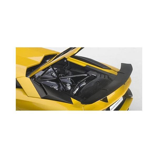 ランボルギーニ アヴェンタドール LP750-4 SV Mイエロー (1/18 オートアート74558)|v-toys|03