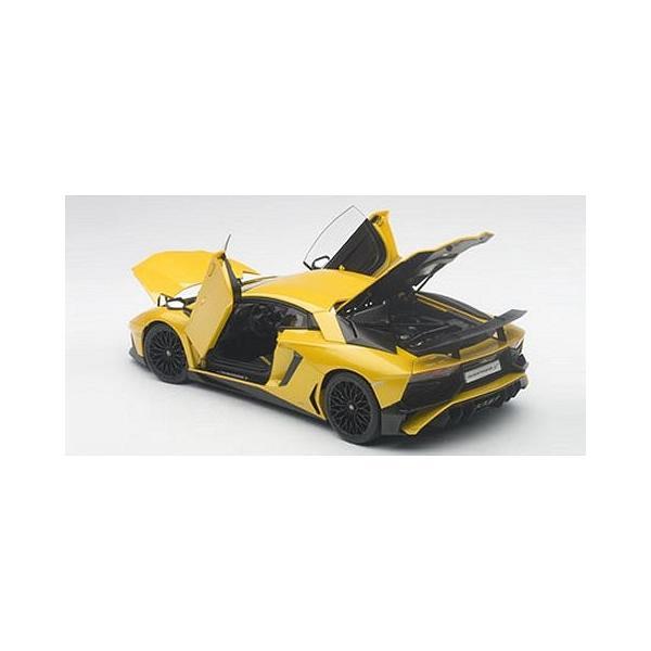 ランボルギーニ アヴェンタドール LP750-4 SV Mイエロー (1/18 オートアート74558)|v-toys|04