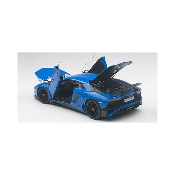 ランボルギーニ アヴェンタドール LP750-4 SV ブルー (1/18 オートアート74559) v-toys 04