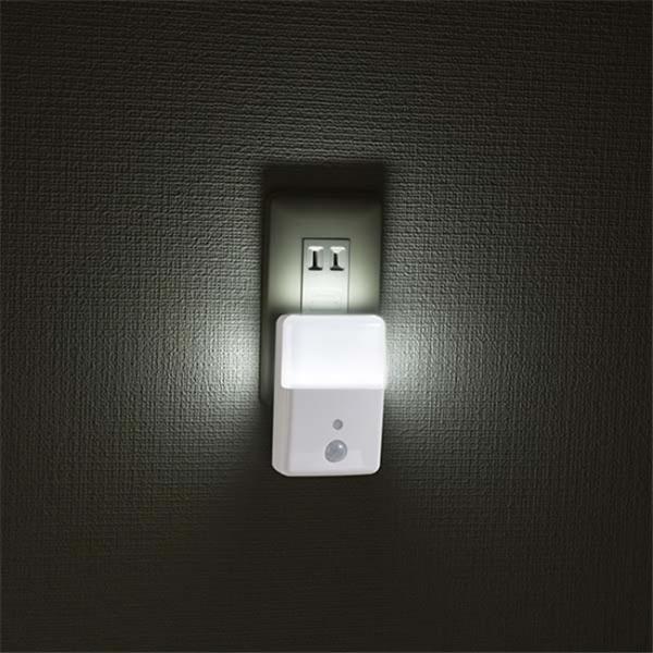 LEDナイトライト センサーライト 人感センサー付 明暗センサー コンセント2色のあかり LED常夜灯 足元灯 長寿命 白色 電球色 照明器具 vastmart 03