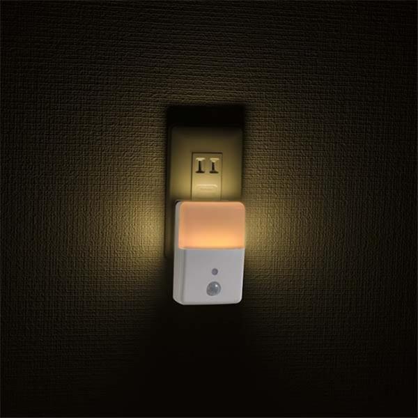 LEDナイトライト センサーライト 人感センサー付 明暗センサー コンセント2色のあかり LED常夜灯 足元灯 長寿命 白色 電球色 照明器具 vastmart 04