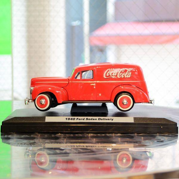 コカコーラ Coca-Cola ミニカー 1940年 フォード デリバリー(1/24) *メール便不可|wappenstore