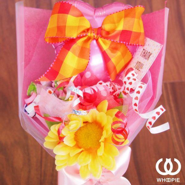 ピンクハート&オレンジリボン・キャンディブーケ