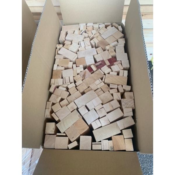 薪用端材 約20kg×5箱セット(約100kg)皮なし 針葉樹 焚き付け用 乾燥 薪ストーブ 焚火 アウトドア キャンプ 日本製 送料無料
