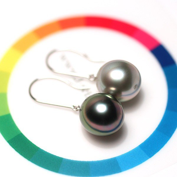 ブラックパールピアス 黒蝶真珠オーバル形幅10.2mm縦11.2mmUP14WGつりばり型フックピアス 色違う楽しさ 大きさもほんの少し違い|wizem|07