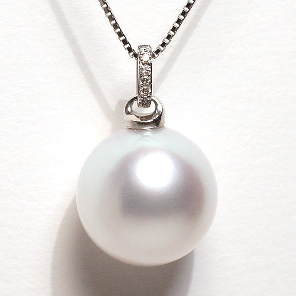 白蝶真珠パールペンダント直径13.3mmプラチナダイヤ0.03ct|wizem