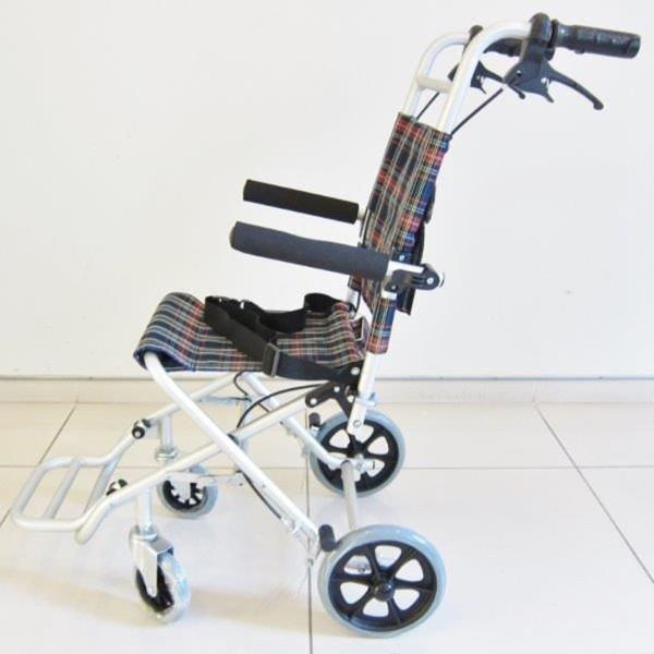 車椅子 全3色 簡易 車イス 送料無料 カドクラ KADOKURA タッチ A502-AK|xenashopping|04