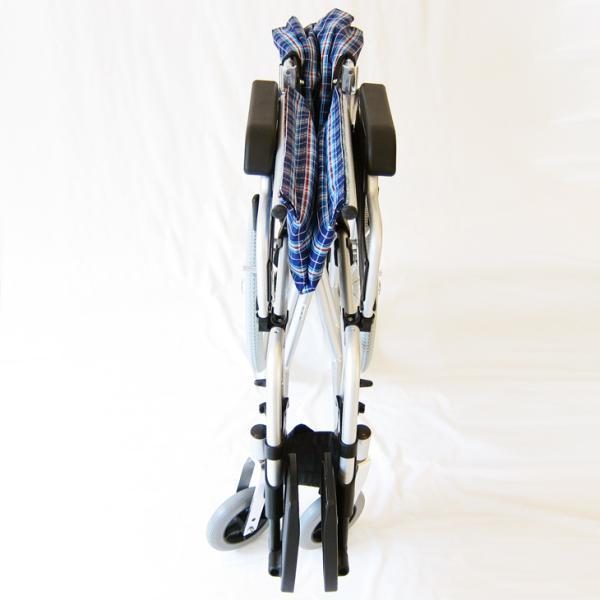 車椅子 介護用 介助式 軽量 折り畳み 車イス 送料無料 カドクラ KADOKURA ビスケット ブルー B602-AKB 多機能|xenashopping|09