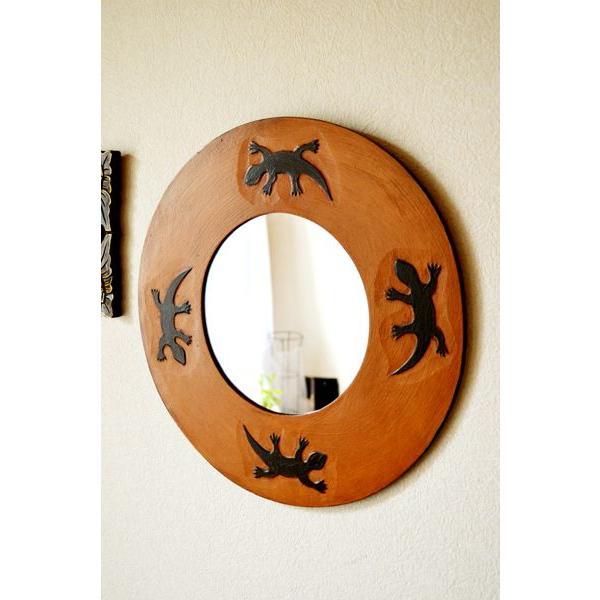 アジアン雑貨 バリ ♪トカゲのミラー(ラウンドタイプ)♪ 鏡 壁掛け ミラー 丸 トカゲ 木製 エスニック|yayapapus-y