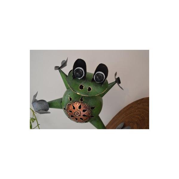 アジアン雑貨 バリ ♪アイアンのオドケカエル♪ 置物 オブジェ 小物入れ かえる アイアン エスニック|yayapapus-y|02