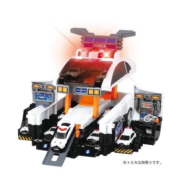 トミカビッグに変形 デカパトロールカー