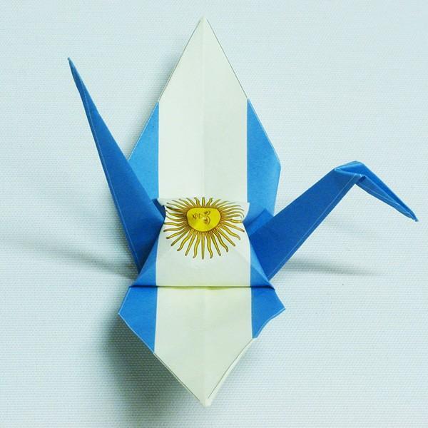 【アルゼンチン】 国旗折り鶴 折り紙おりがみ おりづる 国旗のデザイン 計50枚 ギフト 留学 お土産 伝統 紹介 知育玩具|yumenetshop|02