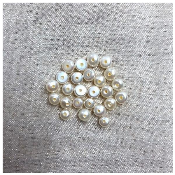 片穴 淡水パール ベビー ボタン フラットラウンド 極小 小粒 パーツ 素材 真珠 10粒 3mm|yusa-jewelry|02