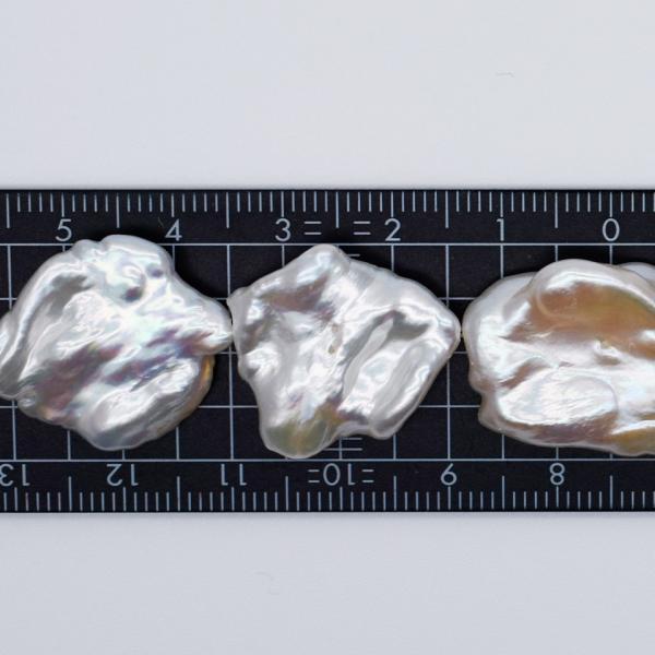 希少 大粒 オーロラ 花びら ケシパール 1粒  15~19mm 淡水真珠 シルバーホワイト系 クレオ穴 バロック yusa-jewelry 03