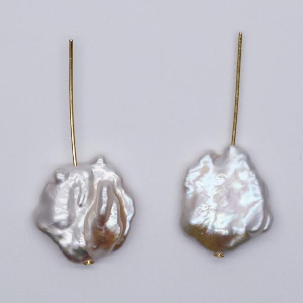 希少 大粒 オーロラ 花びら ケシパール 1粒  20~26mm 淡水真珠 シルバーホワイト系 クレオ穴 バロック|yusa-jewelry|04