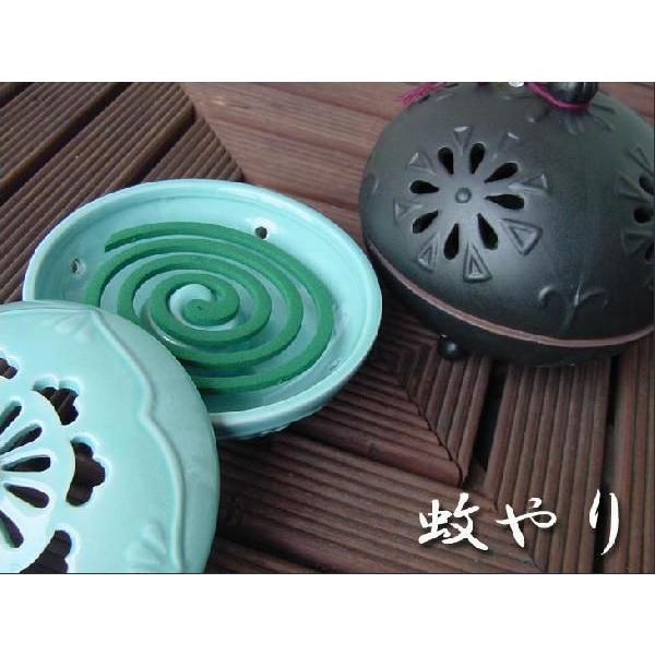 丸いフォルムの陶器タイプ