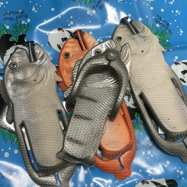 ぎょぎょぎょ!魚のビーチサンダル 23cm 23.5cm グレー系 レディース サカナ さかな ビーサン ビーチサンダル シーラカンス?実用性もバッチリ|zakkayakaeru|02