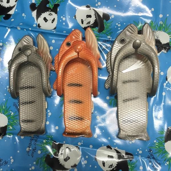 ぎょぎょぎょ!魚のビーチサンダル 23cm 23.5cm グレー系 レディース サカナ さかな ビーサン ビーチサンダル シーラカンス?実用性もバッチリ|zakkayakaeru|03