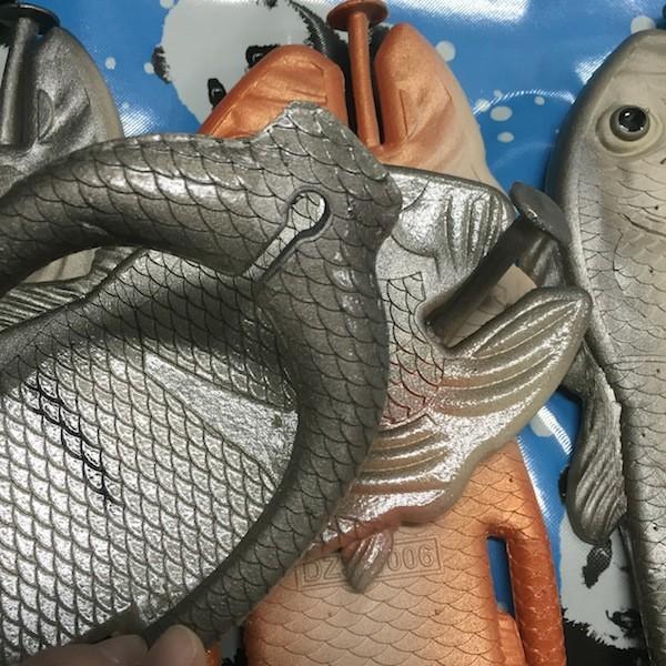 ぎょぎょぎょ!魚のビーチサンダル 23cm 23.5cm グレー系 レディース サカナ さかな ビーサン ビーチサンダル シーラカンス?実用性もバッチリ|zakkayakaeru|05