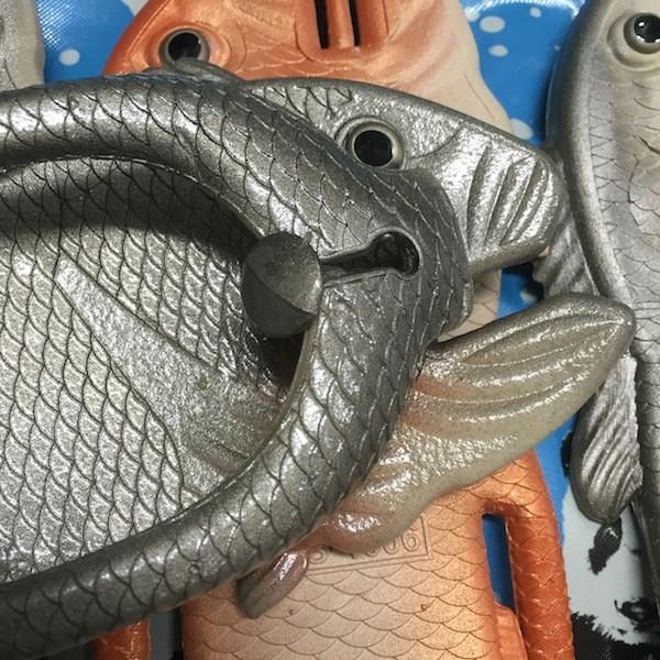 ぎょぎょぎょ!魚のビーチサンダル 23cm 23.5cm グレー系 レディース サカナ さかな ビーサン ビーチサンダル シーラカンス?実用性もバッチリ|zakkayakaeru|06