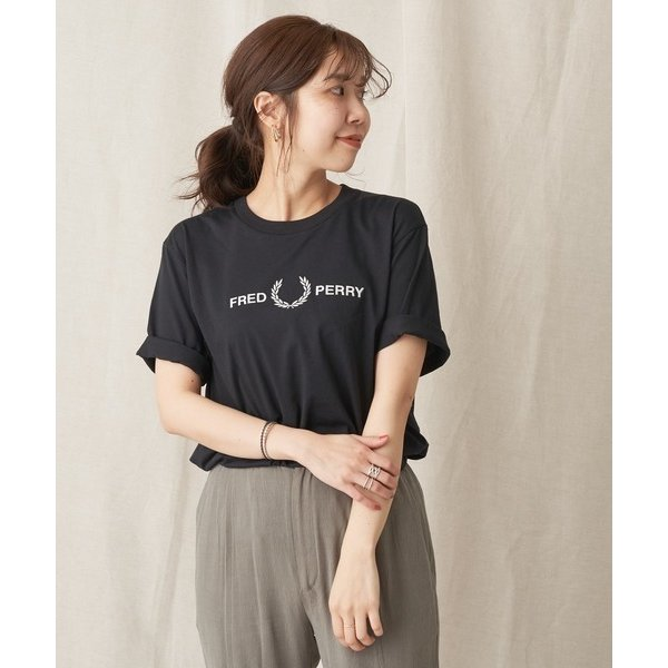 〈WEB限定〉【FRED PERRY】フロントロゴTシャツ