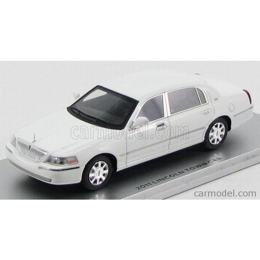 リンカーン 2011 ミニカー 1/43 LUXURY LINCOLN TOWN CAR 2011 白い 101560