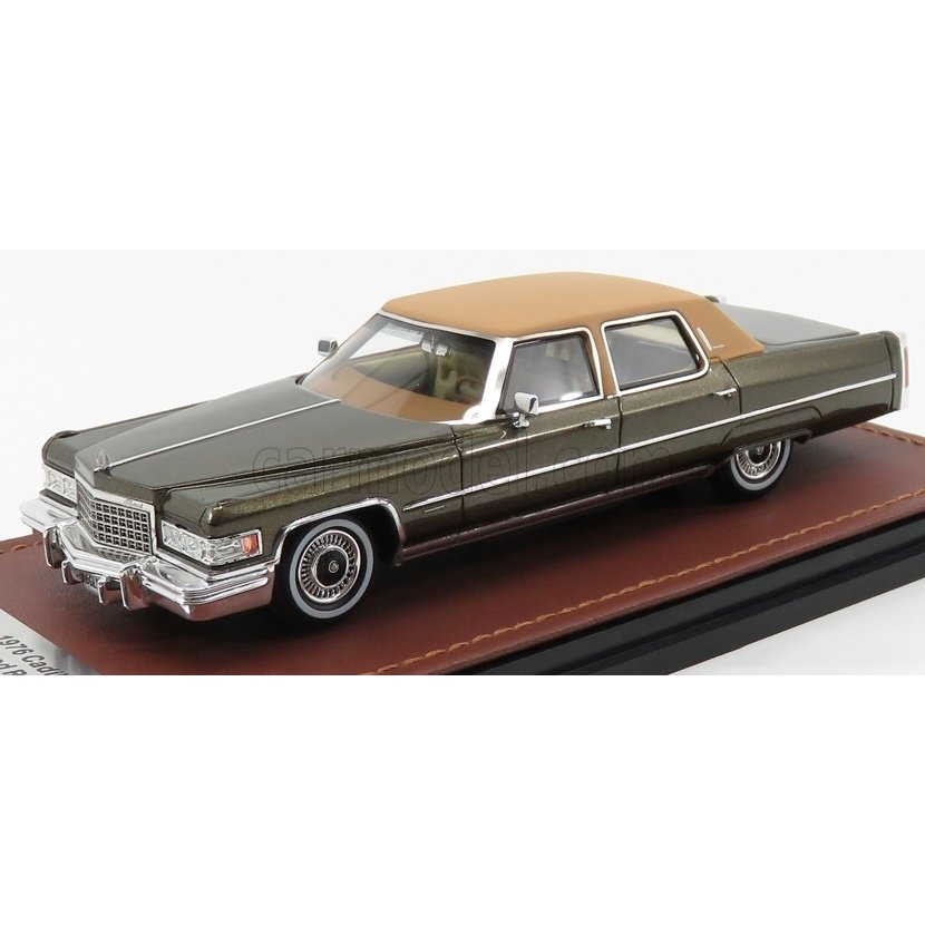 1//43 GLM 1976 Cadillac Fleetwood Brougham Brown GLM124702
