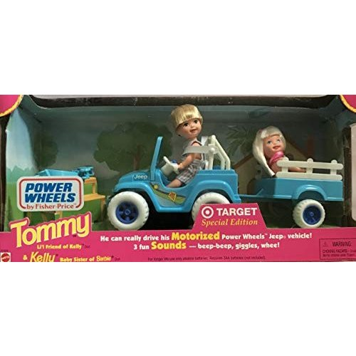 バービーMattel Barbie Power Wheels Vehicle Jeep has 3 Fun Sounds w Tommy and Kelly Dolls, 褐色 Dog, Pull-Along Trailer, Etc.