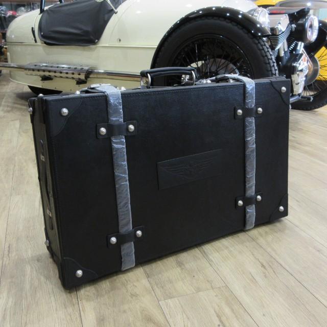モーガン MORGAN レザー トランク型スーツケース ブラック