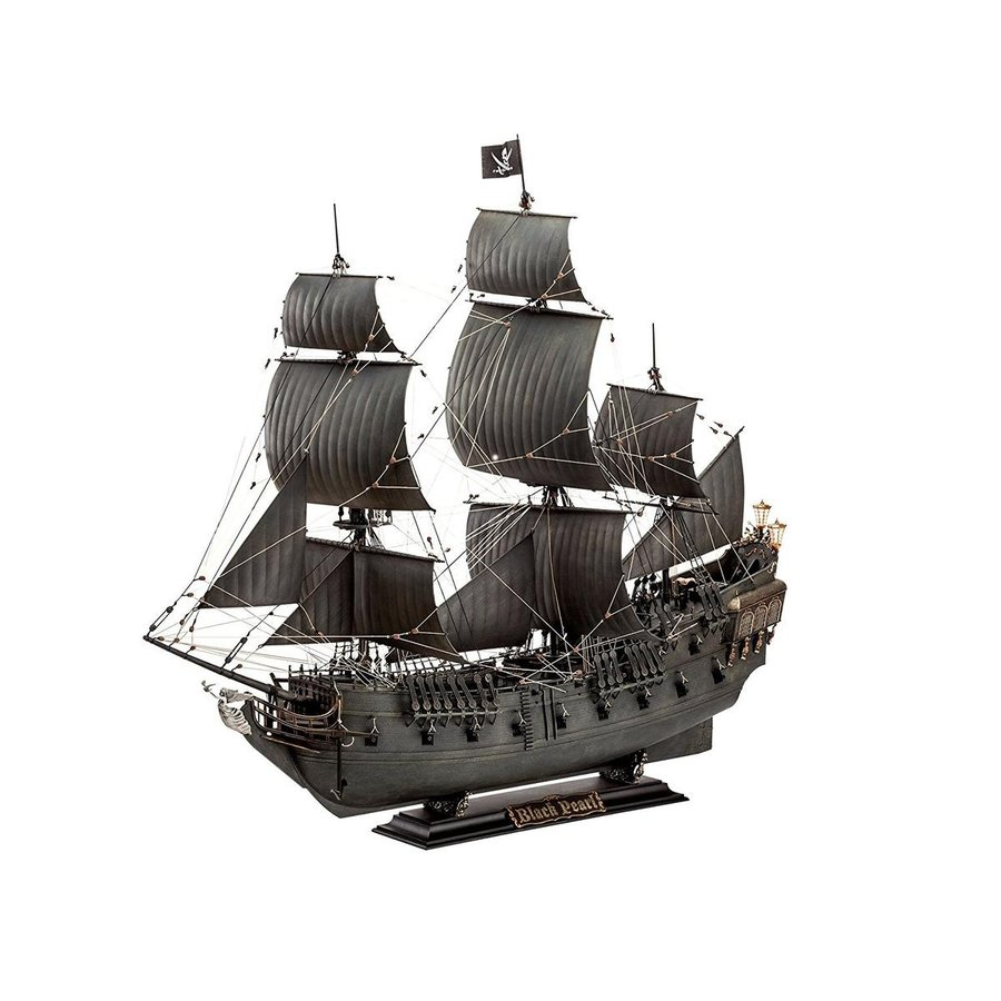 パイレーツ・オブ・カリビアン ブラックパール号 プラモデル 船 模型 ディスプレイ Revell レベル 1/72 海外 おもちゃ