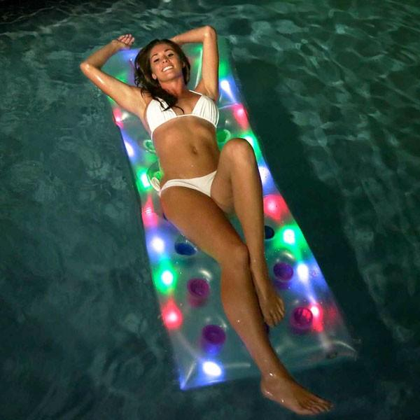 ナイトプール 光る フロート LED ライトアップ うきわ 浮き具