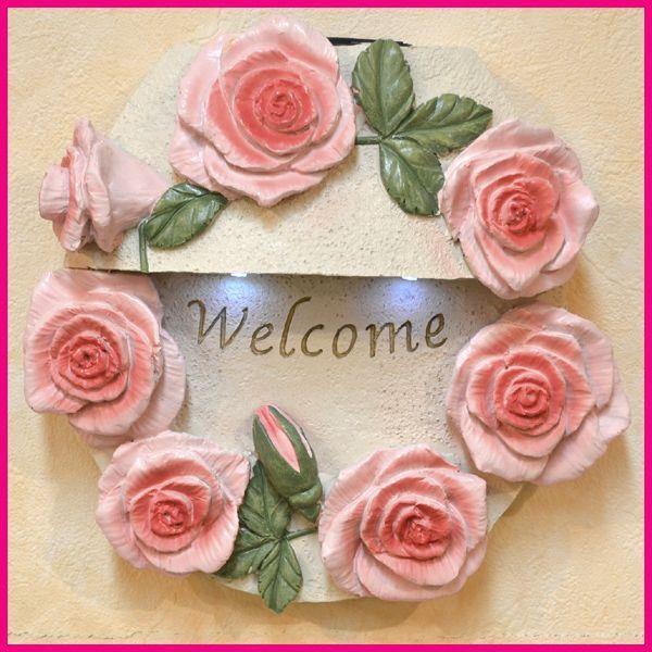 ローズ 蔵 の飾りが 可愛い ウェルカムソーラー 壁掛け おしゃれ welcome ソーラーライト ピュアローズ SR-0973 オーナメント バラ 70%OFFアウトレット 新生活 薔薇 送料無料