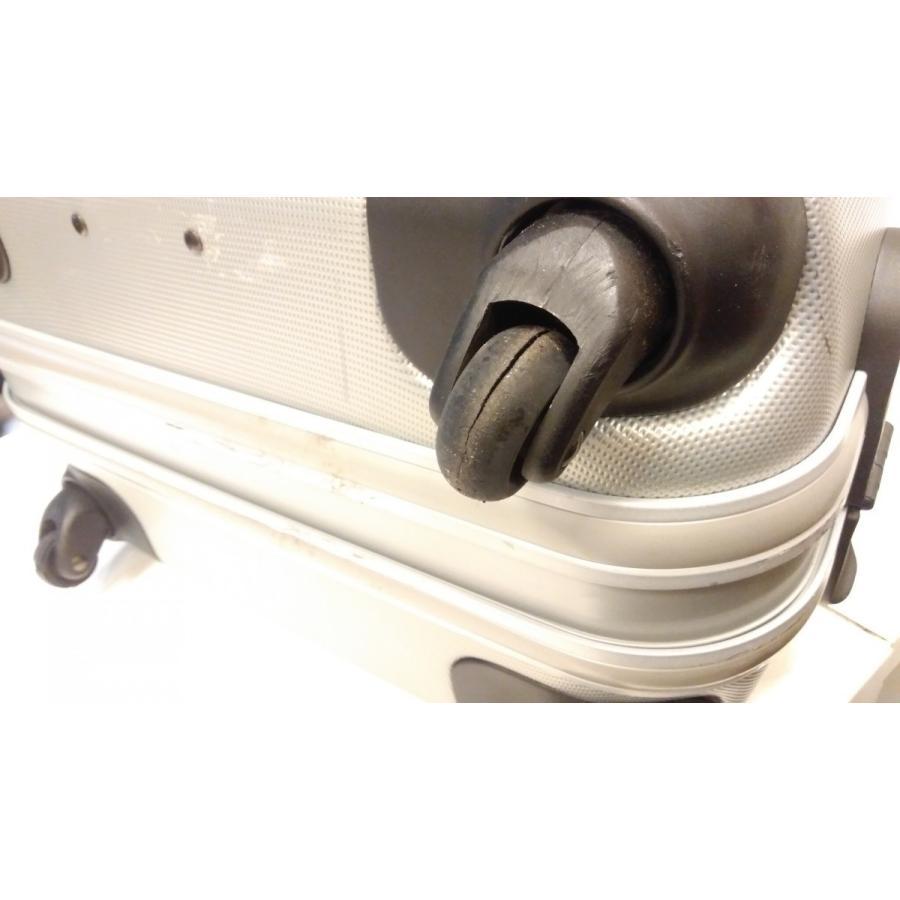 スーツケース・キャリーバッグキャスター交換修理(1ヶ所)|akakutsu|02