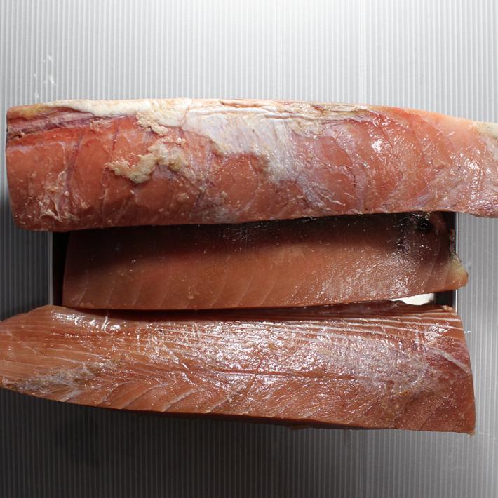 マグロ柵ブロック 天然メバチマグロ 原則国産 約3kg 業務用 訳有 アウトレット【まぐろ 目鉢 鮪】刺身 ブツ切り 送P300 2-4個迄同一送料|ameyokomarumo2|20