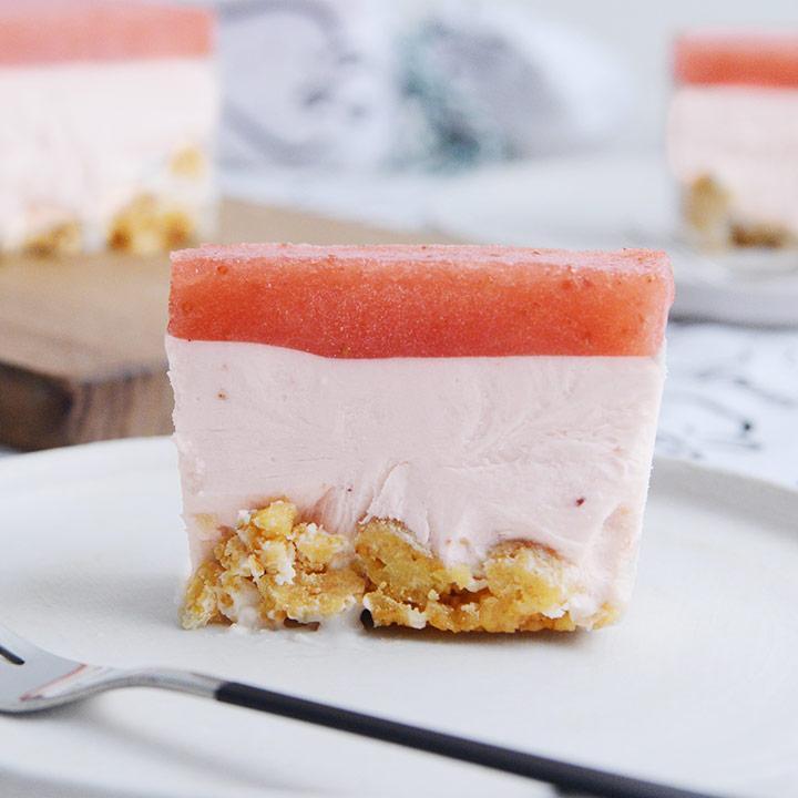 海外 すっぴん苺のレアチーズケーキ いちごスイーツ専門店 ICHIBIKO 送料無料 即納