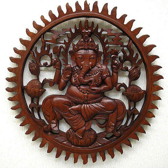 壁掛け 木彫りのレリーフ 蓮の上のガネーシャ 円形 濃茶[直径約38cm] アジアン雑貨 バリ タイ エスニック 壁掛け 装飾 壁掛け 装飾